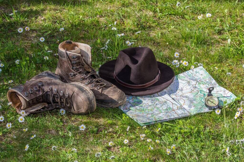 Le 10 cose da mettere in Valigia se vieni in Calabria scarpe