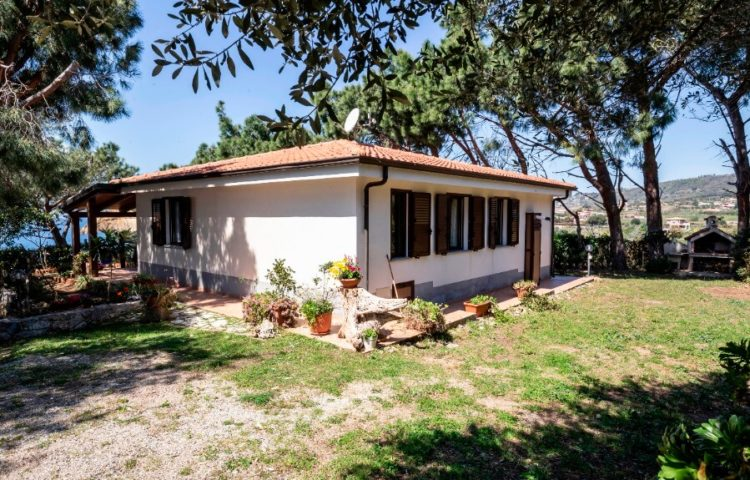 Villa dei Pini 01